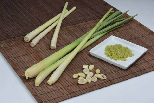 Fresh Lemongrass and Frozen Chopped Lemongrass