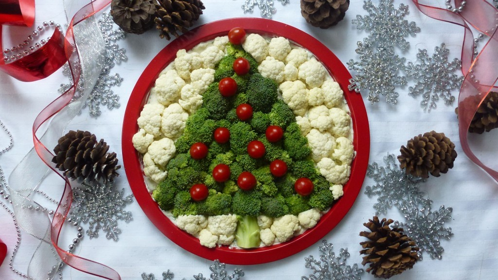 Vegetable and Dip Christmas tree