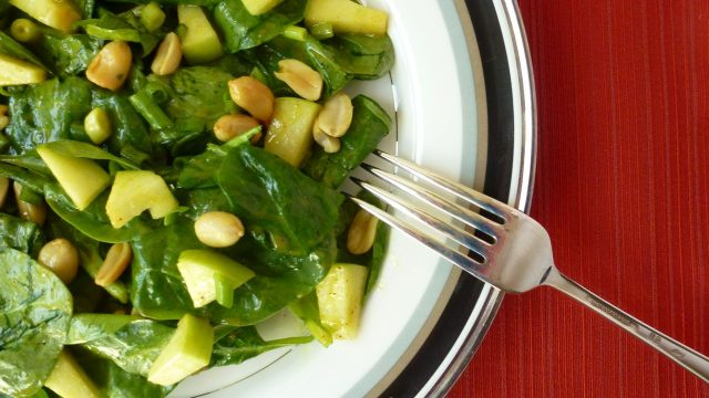 Spinach Salad with Mango Chutney Dressing