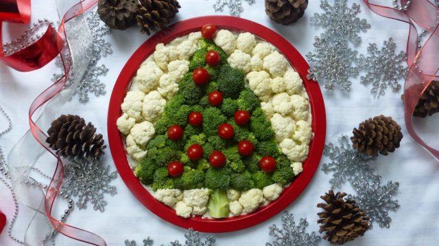 Vegetable and Dip Christmas tree